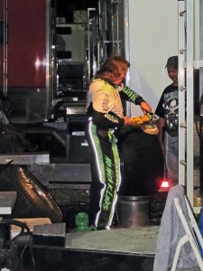 """Scott Bloomquist held himself to his """"No Weak Links"""" motto as he prepped his own tires just before the A-Main."""